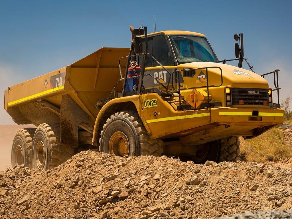 Caterpillar Dump Truck 740B - Articulated Dump Truck for Mining