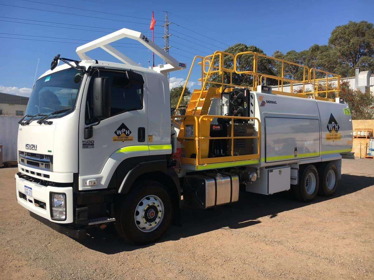 Izuzu 6 Wheel Service Trucks For Hire