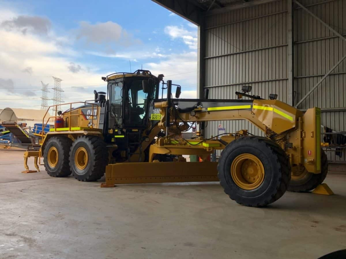 Caterpillar Graders 16M For Hire.
