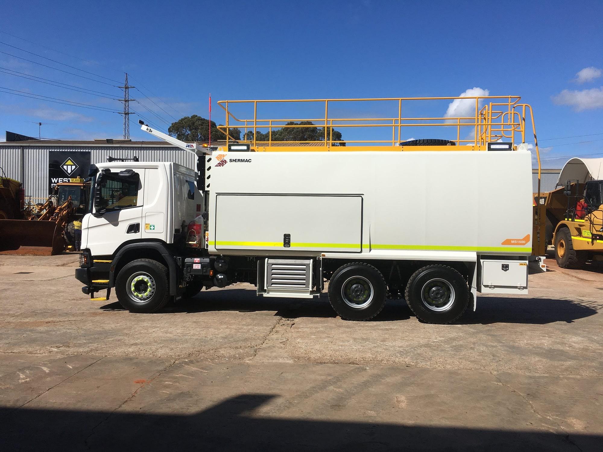 Scania Heavy Duty 6 Wheel Service Truck - For Hire