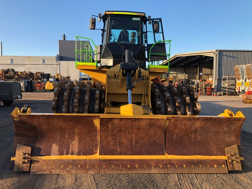 Caterpillar 825K Compactor - For Hire