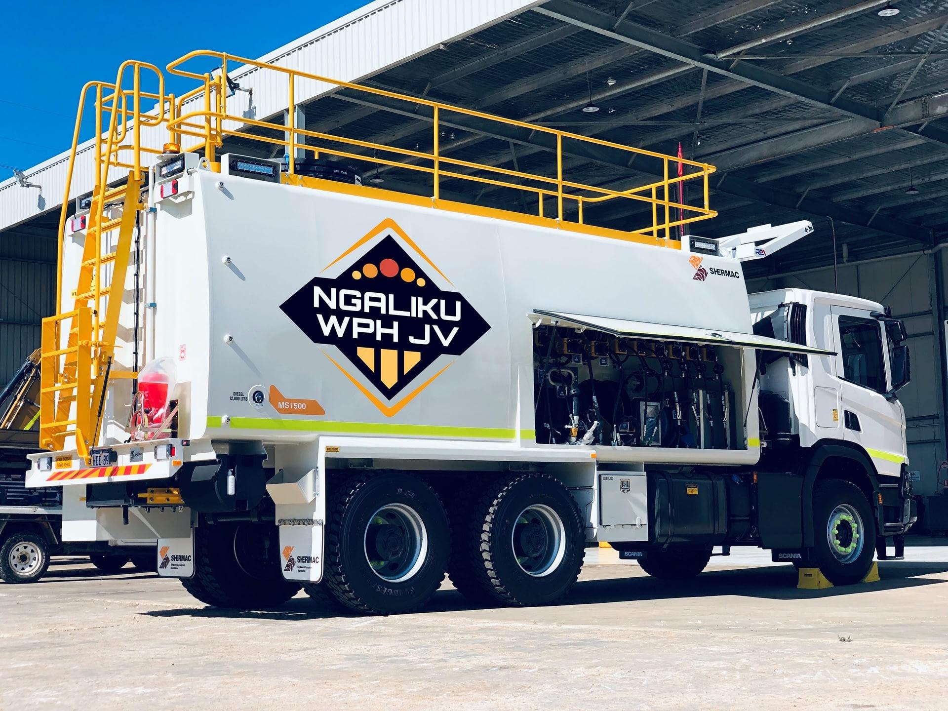 Isuzu 6 Wheel Service Truck - Ngaliku WPH JV