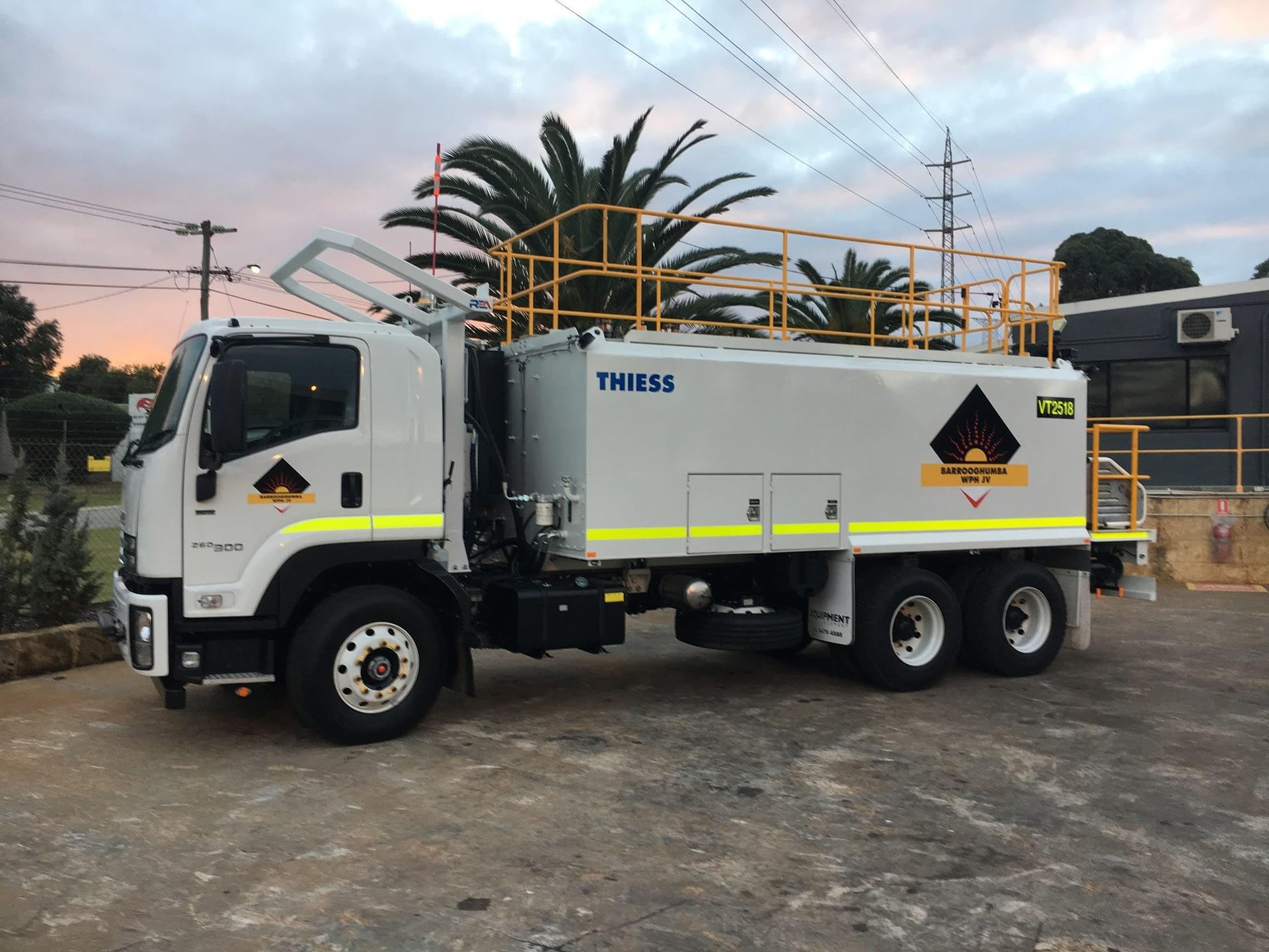 Isuzu 6 Wheel Service Truck - For Hire